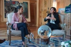 """Sheinbaum firma """"carta de declaración de intenciones"""" con alcaldesa de París"""