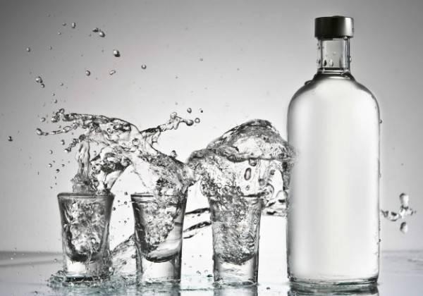 vodka600x420-0c5b11a9c10ee6d20bfd611c48a539ec.jpg