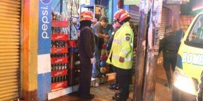 hombre muerto en tienda zona 7 de Mixco