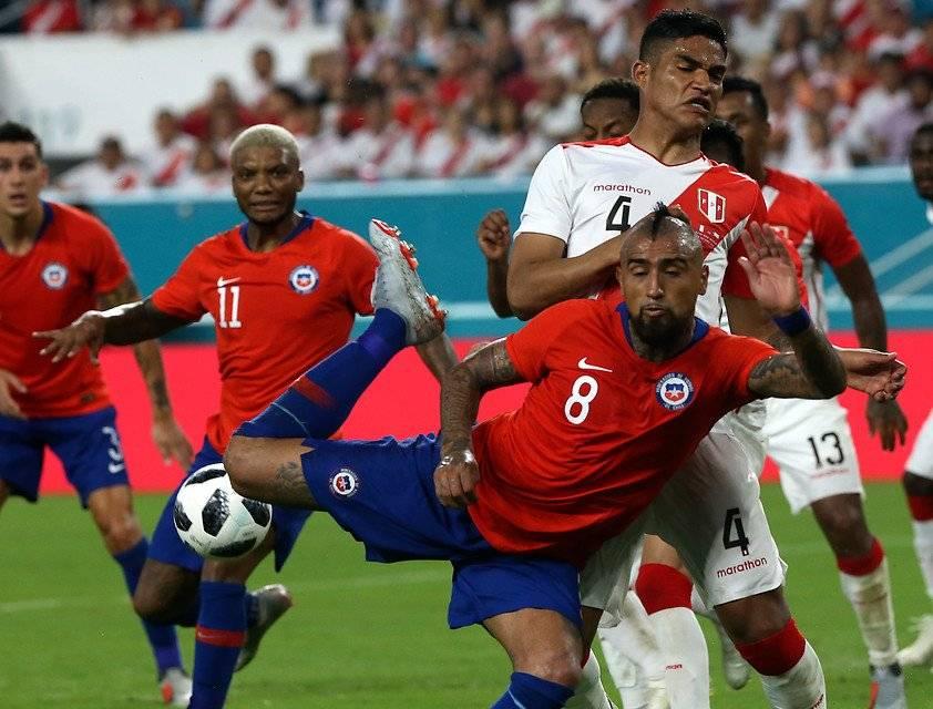 Arturo Vidal tuvo un partido con muy poca claridad ante Perú en Miami / Foto: Agencia UNO