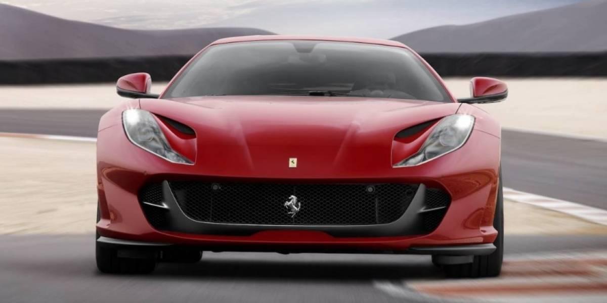 """Fue a dejar en un Ferrari a su hijo al colegio y desató toda una polémica: le pidieron que """"cambiara"""" el auto por uno """"más modesto"""""""