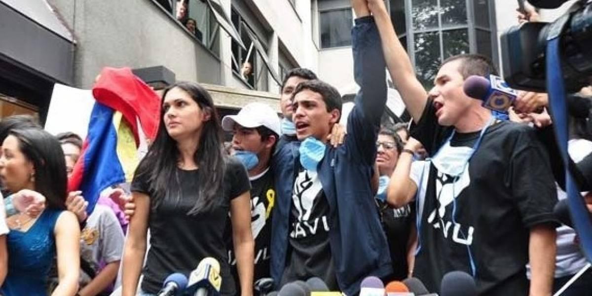 Autoridades venezolanas destierran a España a preso político Lorent Saleh
