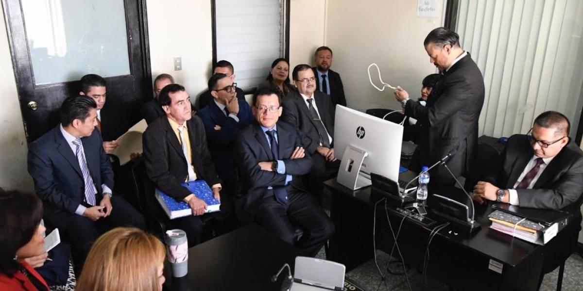 Diputados señalados en caso de discriminación contra gobernadora acuden a Tribunales