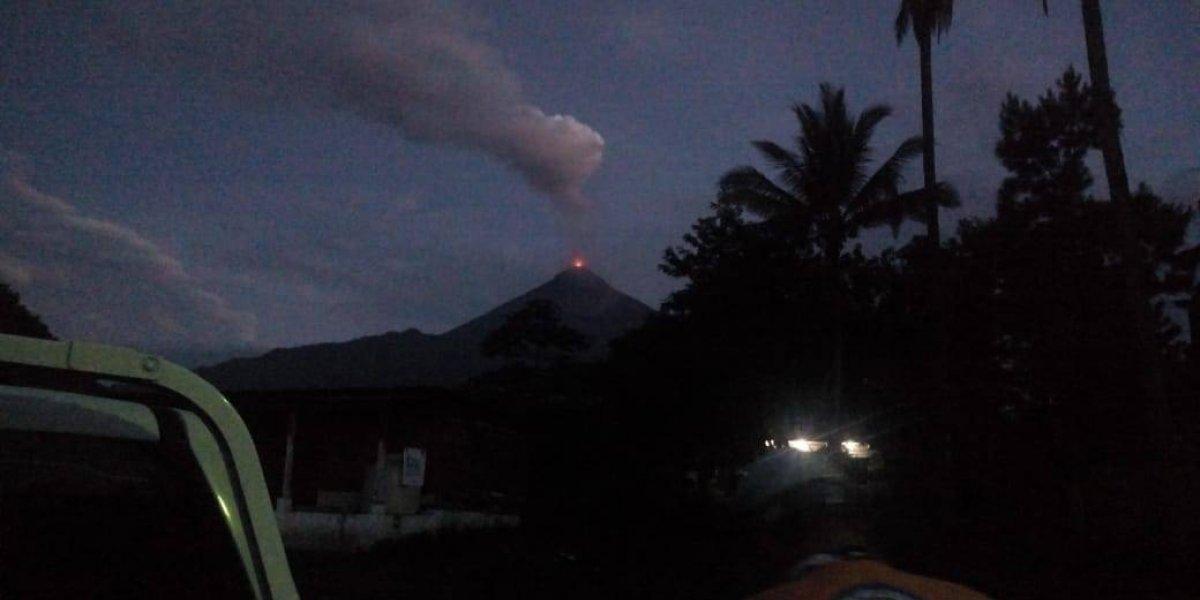 Volcán de Fuego inicia la tercera erupción del año