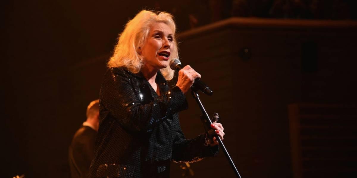 Debbie Harry traz a banda Blondie ao Brasil pela primeira vez