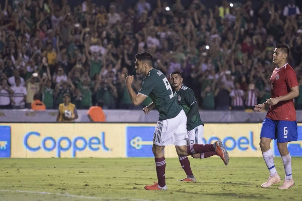 Raúl Jiménez sentenció el partido con gol de penal. / Israel Salazar / Publimetro