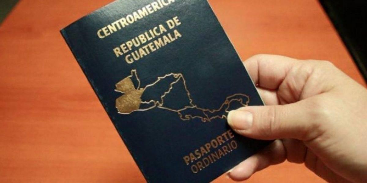 Guatemaltecos deberán presentar pasaporte vigente en El Salvador