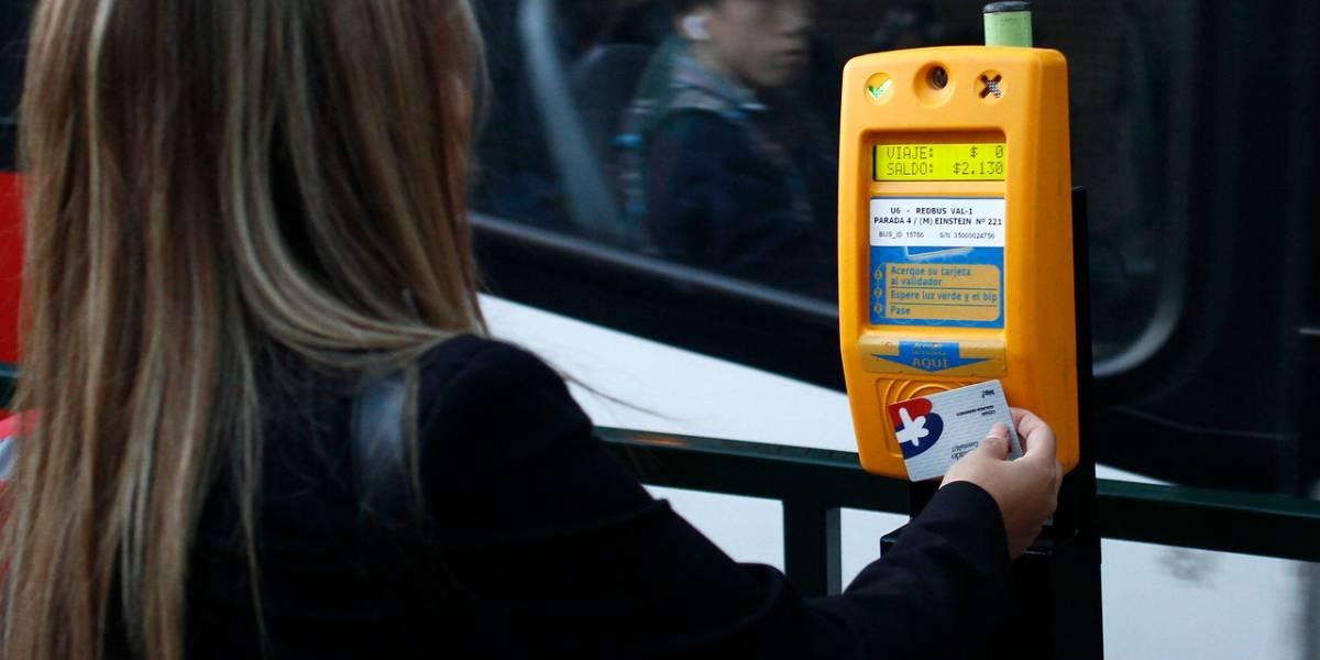Nueva alza de tarifas en Santiago: Transantiago llegará a los $680 y Metro quedará en $780 en horario punta