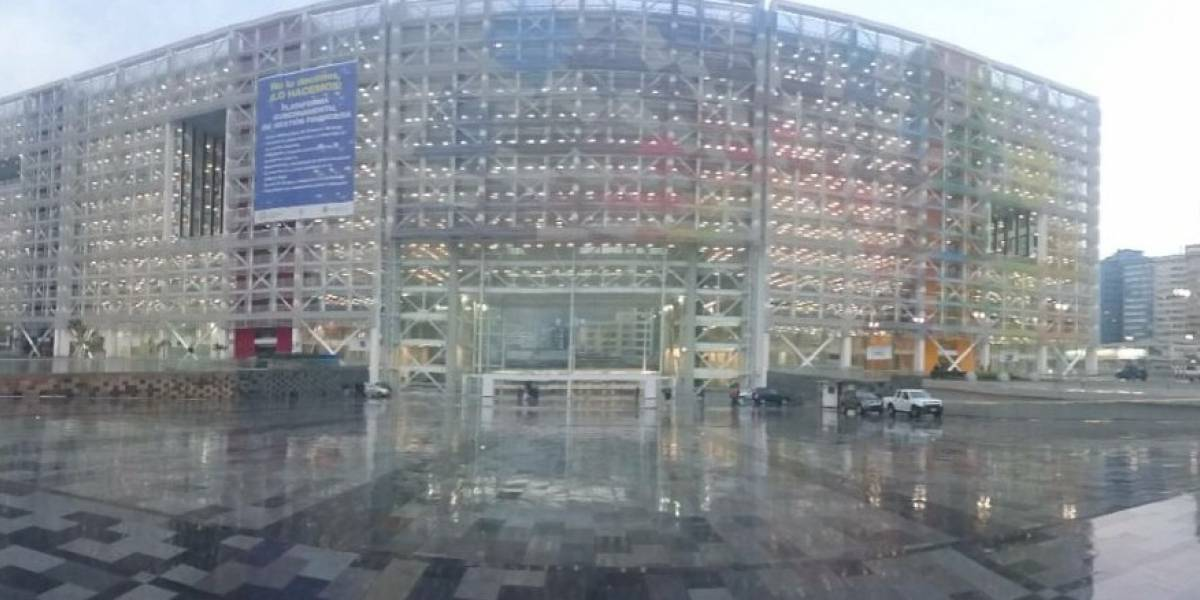 Cierre de la Naciones Unidas y Gaspar Villarroel por simulacro de Bomberos de Quito