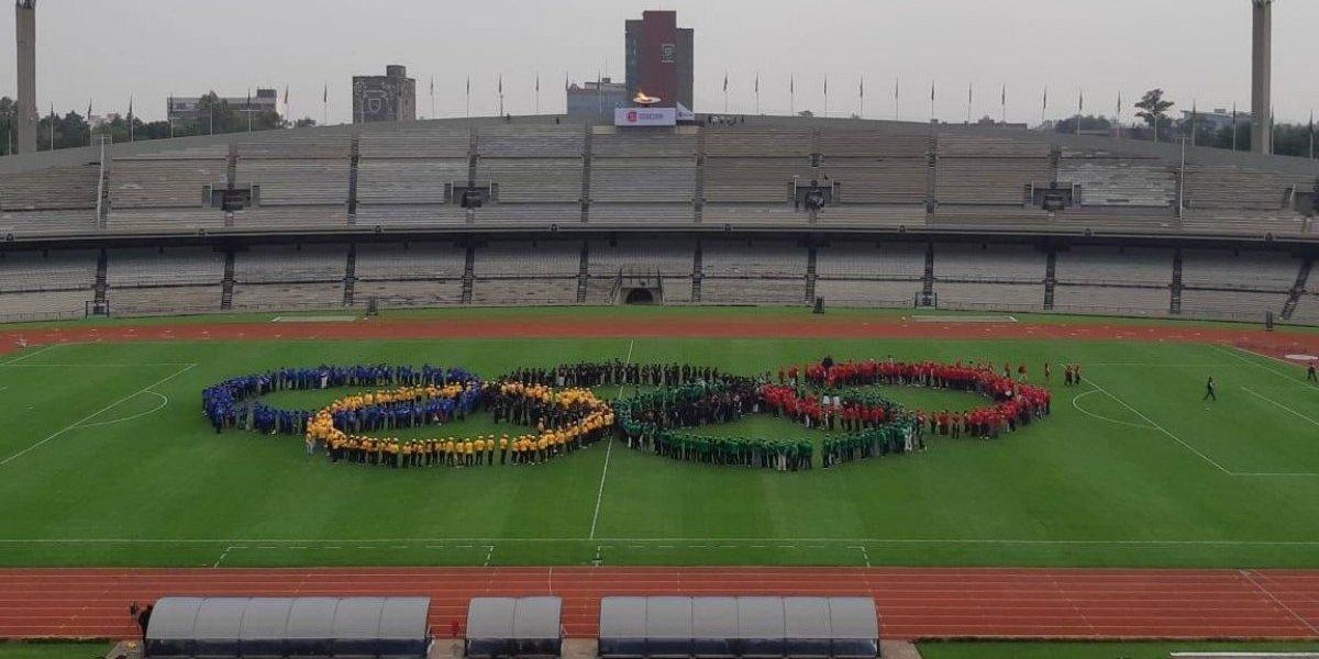 Con desfile, conmemoran 50 años de los JO de México 1968