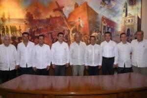 AMLO se reúne con gobernadores del sureste