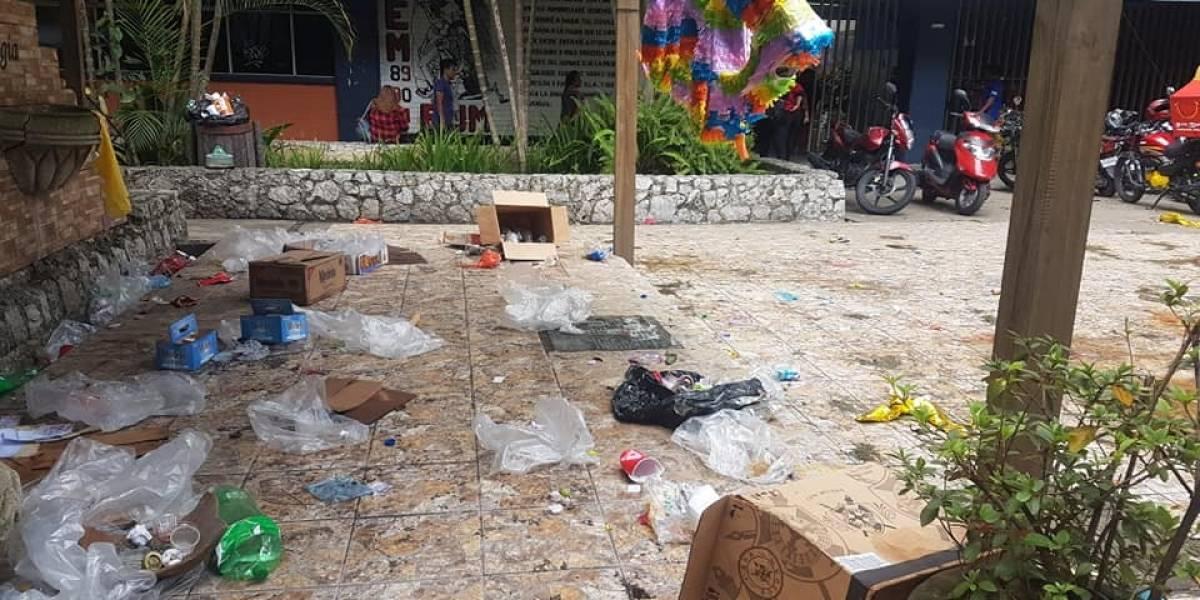 Sancarlistas denuncian suciedad en plaza donde se realizó fiesta de cierre