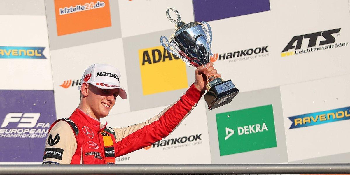 Hijo de Michael Schumacher se proclamó campeón de la Fórmula 3