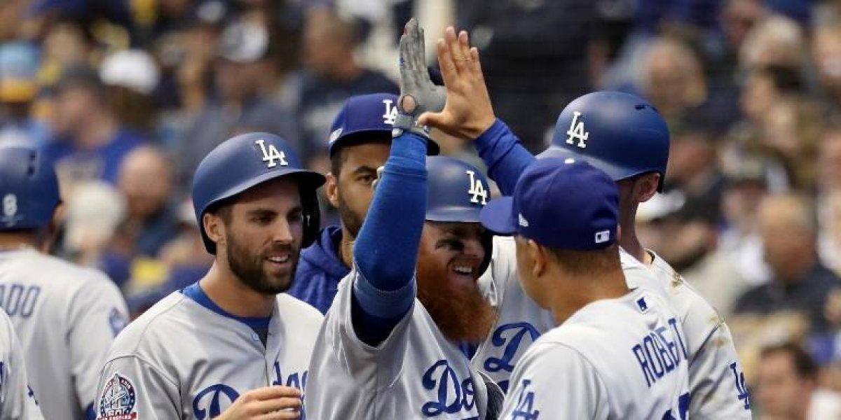 VIDEO. Con un jonrón de Turner, los Dodgers empatan la serie con los Cerveceros