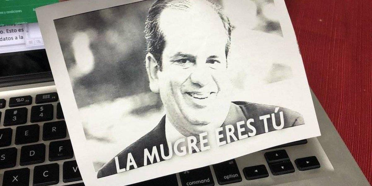 """Flyers en sede del PPD contra Aníbal: """"la mugre eres tú"""""""