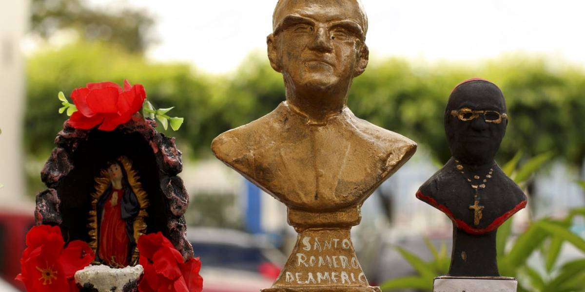 Papa declara santos a Pablo VI y a Romero, 'el obispo de los pobres'