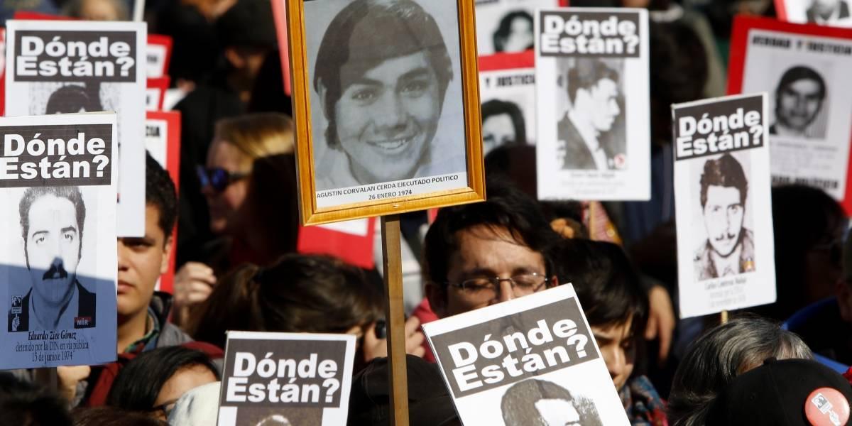 Ex ministro de Pinochet dice que le preguntó por los detenidos desaparecidos