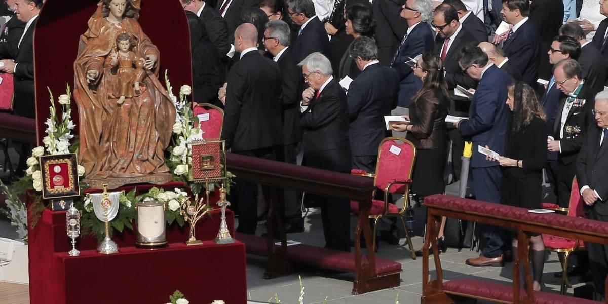 Piñera comienza a decirle adiós a Europa tras asistir a canonización de nuevos santos en el Vaticano