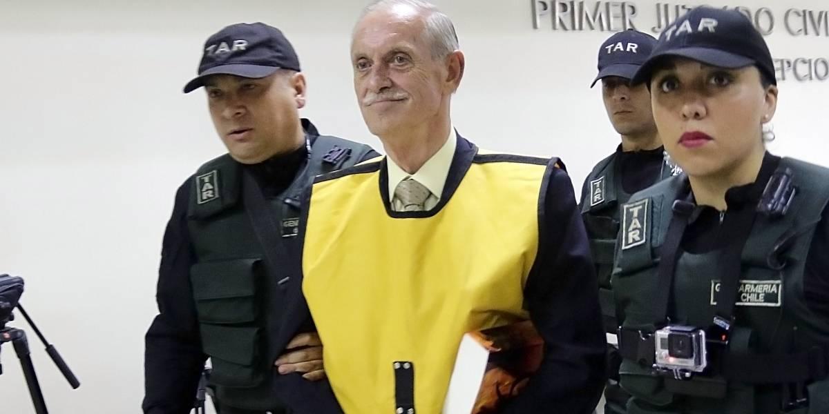 Cesan a 2 altos mandos del ejército chileno por homenaje