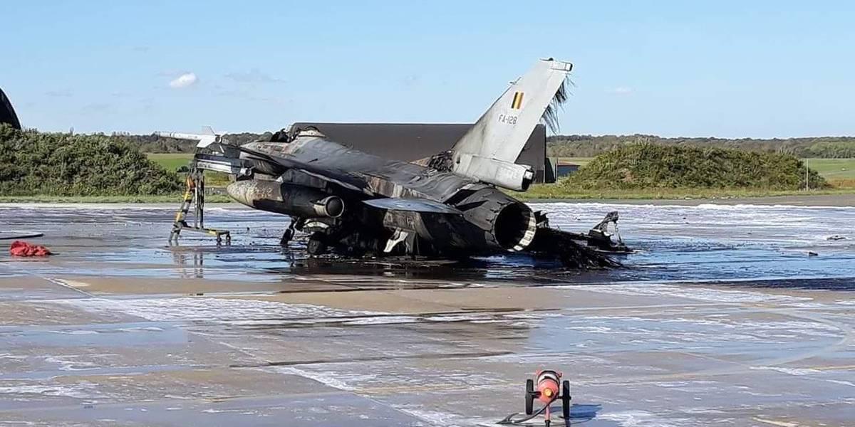 """""""¿Sin querer queriendo?"""": mecánico disparó por error cañón de un F-16 y pulveriza a otro avión de guerra en Bélgica"""