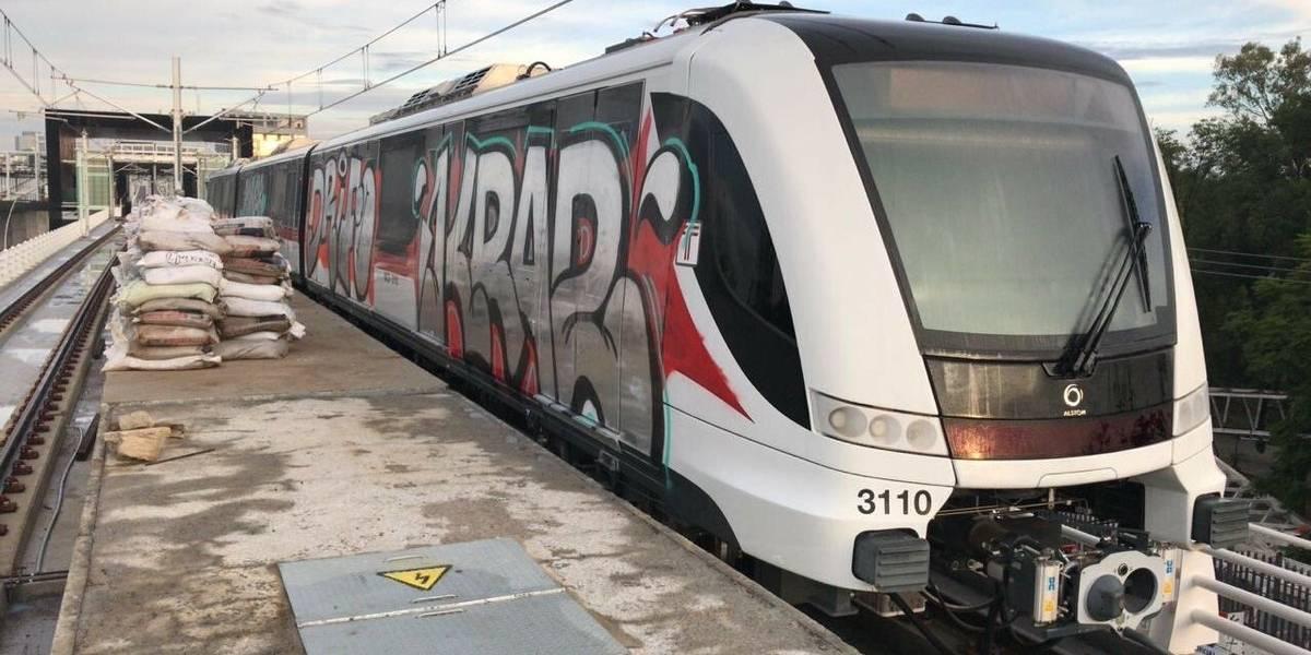 Vandalizan vagones de la Línea 3 del Tren Ligero en Guadalajara