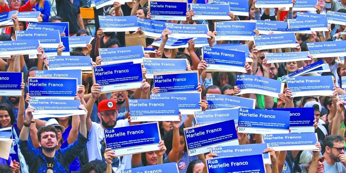 Ato tem mil placas de rua em homenagem a Marielle Franco
