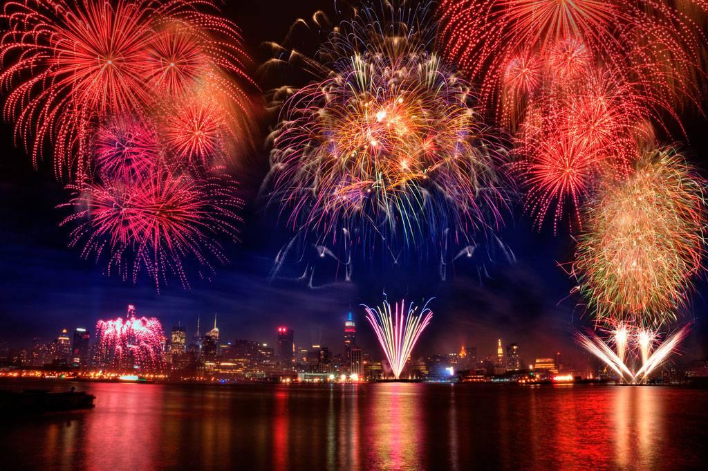 americaindependenceday2014fireworks1-e1eba63dcdc85401cab52c42158a0c29.jpg