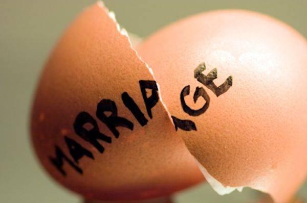 divorceimage-dcf695559de4dd84e20bcf0b611199eb.jpg