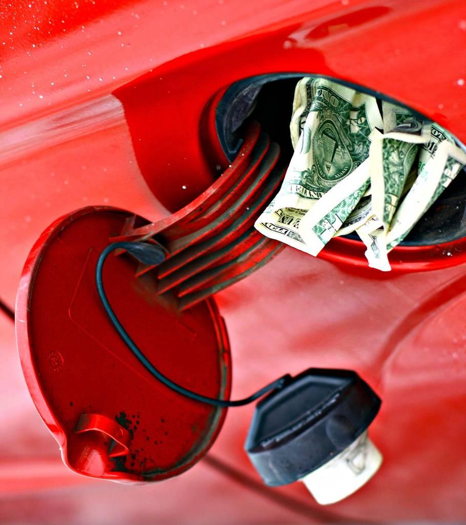gasolina-9a9db96a6b333d9251f435a464f0218a.jpg
