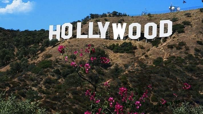 hollywoodsignmulhollandhighwayjpg1266752582-6b0b7842214fa14f41a77754c90be984.jpg