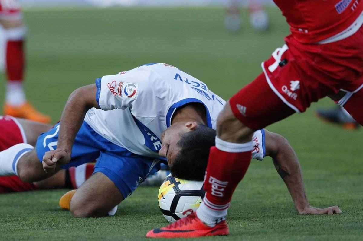 El trancazo con la cabeza de Saavedra en la UC / imagen: Photoshop