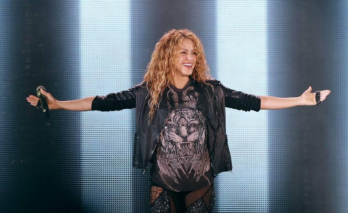 """La cantante colombiana Shakira actúa durante un concierto como parte de su gira """"El Dorado World Tour"""""""