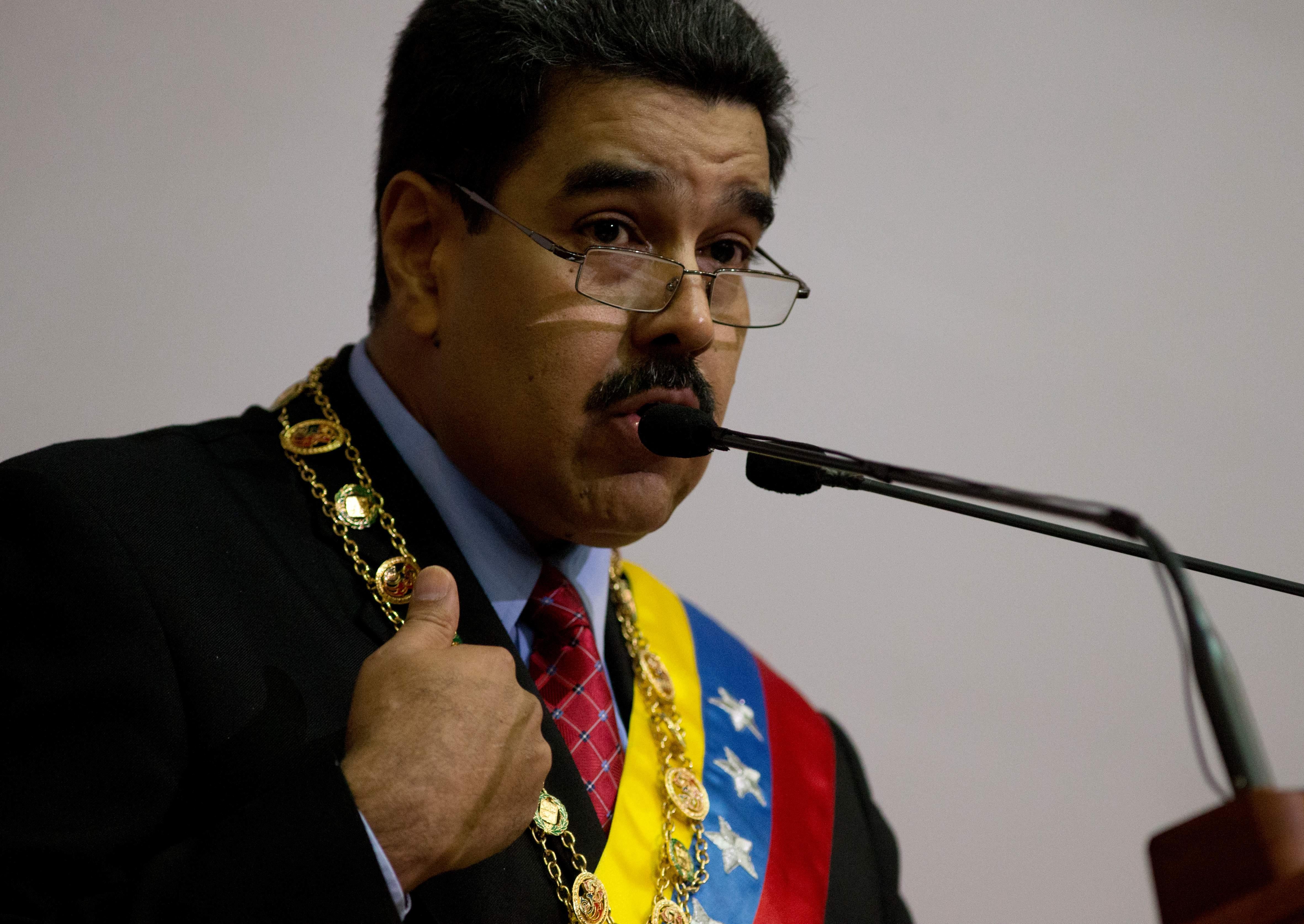 venezuelaeconomicempuer-84f03d7667e354232afaaf84c28fd5a3.jpg