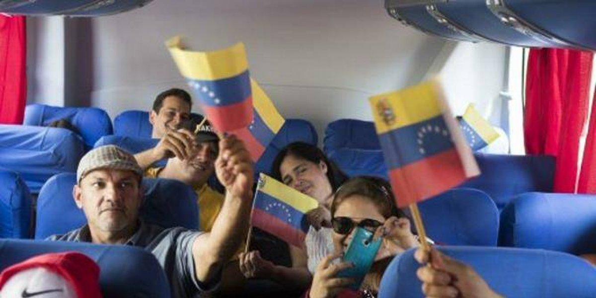 Vuelo fletado por Maduro retorna 90 venezolanos a su país desde RD