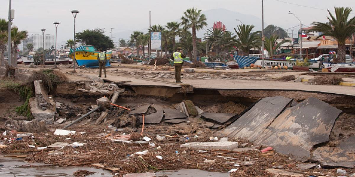 """Terremotos, tsunamis y 2.900 volcanes: los riesgos que enfrenta Chile tras terremotos en """"anillo de fuego del Pacífico"""""""