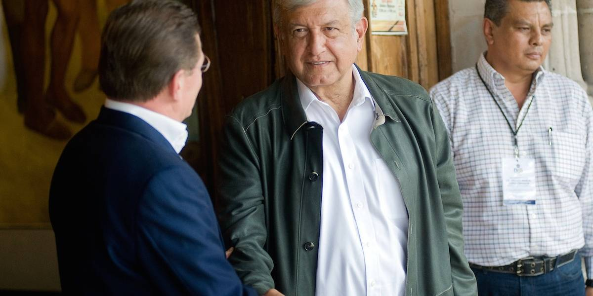 Me da gusto que se polemice por el NAIM: López Obrador