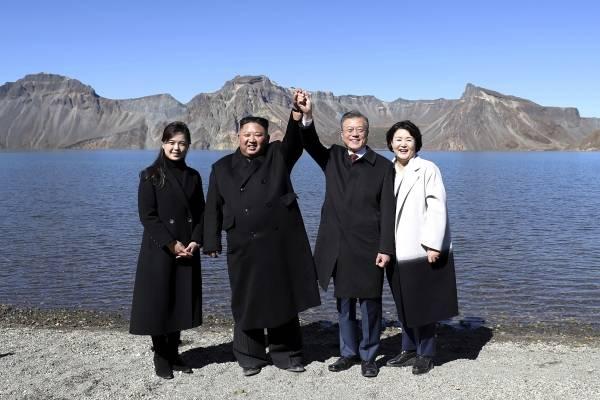 Las dos Coreas y la ONU conversan sobre el desarme en la frontera. AP