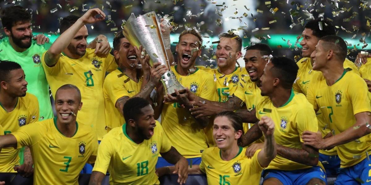 Brasil se lleva el Super Clásico al vencer a Argentina de último minuto