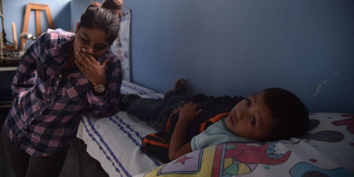 Salario de 84 dólares al mes no le alcanzaba a madre hondureña para mantener a su hijo