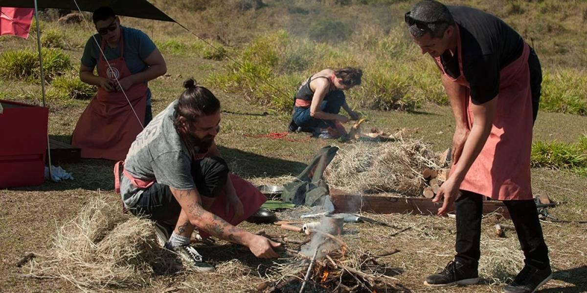 MasterChef Profissionais: participantes cozinham em meio à natureza e precisam fazer fogo