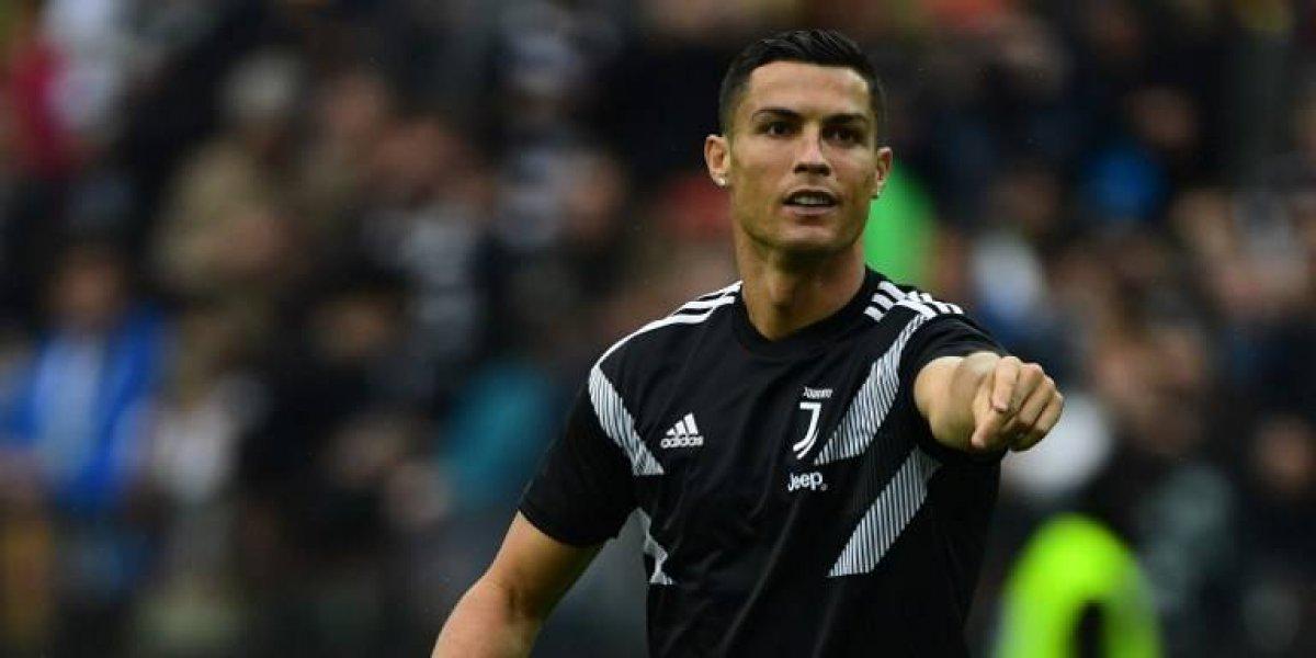 Sacan a la venta galletas \'Cristiano Ronaldo\' tendiendo sexo y generan polémica