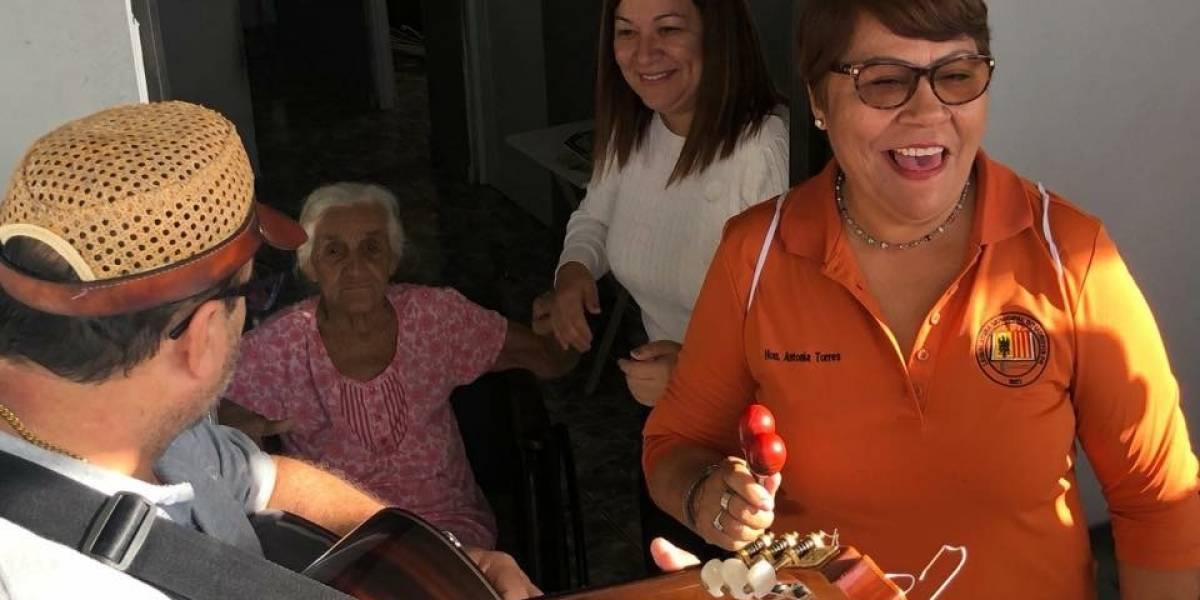 Heart 911 repara casas en Morovis al son de música navideña
