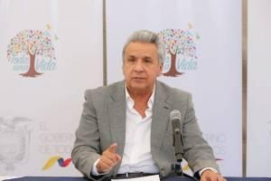 Lenín Moreno ordena que se devuelvan los cobros indebidos