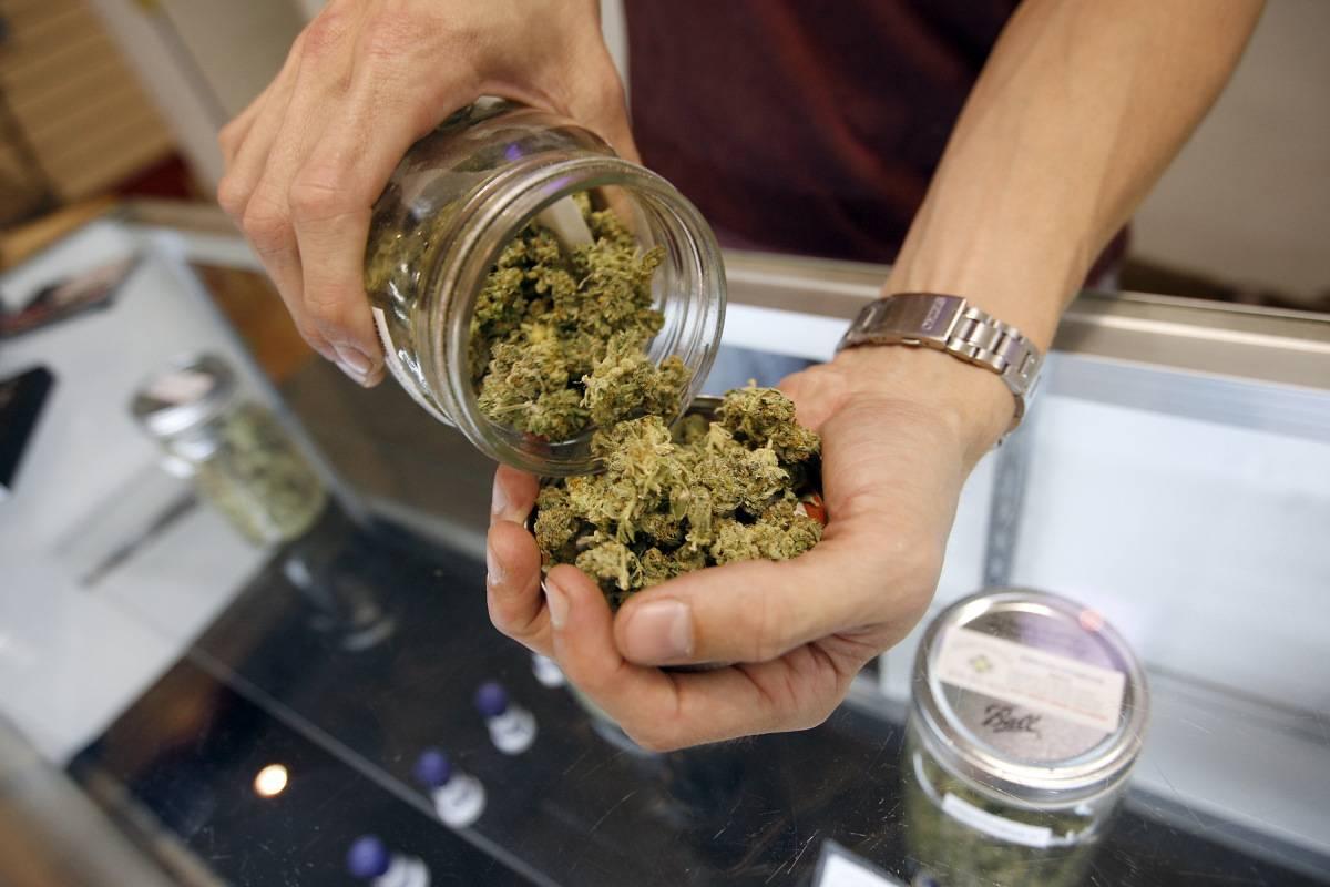 marijuana-ba8c27d9e8e8a297b307fbad97243c5f.jpg