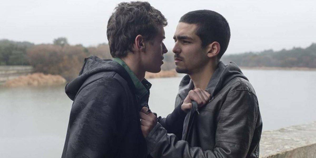 """Escena de """"Élite"""" genera polémica: Netflix para en seco a usuarios homofóbicos"""