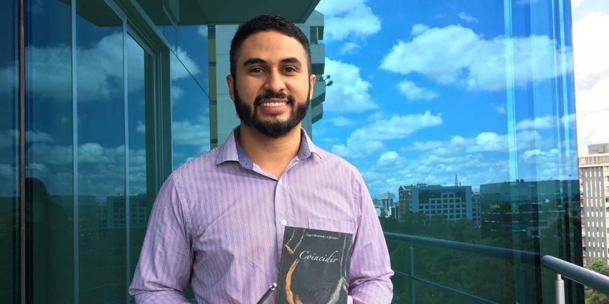 Angel Menéndez, el guatemalteco que diseña satélites y escribe poesía