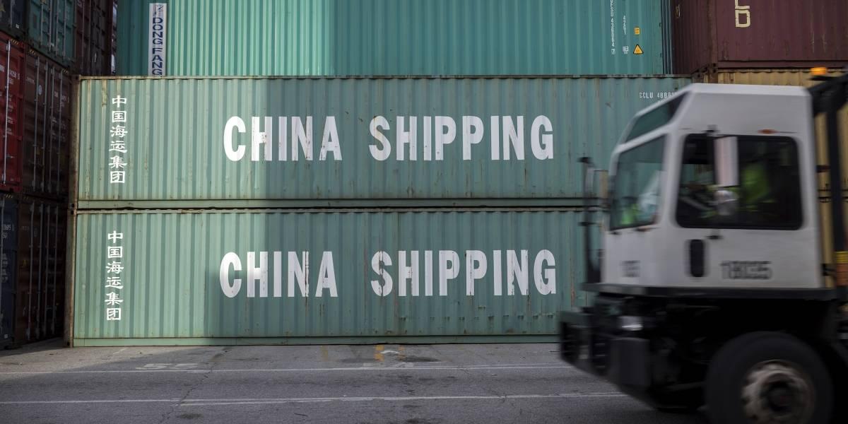 Trump anuncia salida de pacto postal por beneficiar a China
