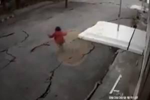 https://www.publimetro.com.mx/mx/noticias/2018/10/17/filtran-impresionante-video-del-terremoto-azoto-a-indonesia.html