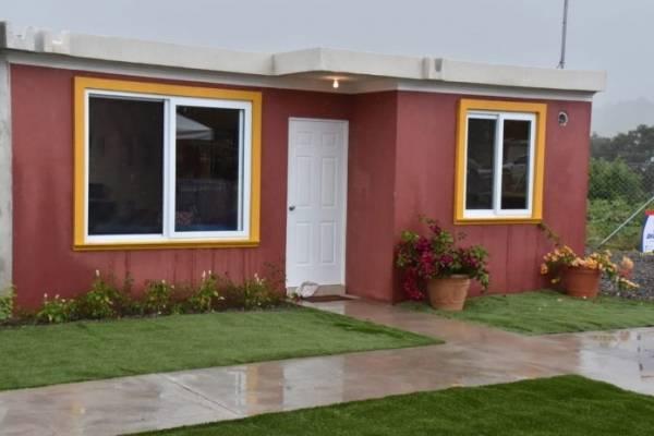 Gobierno presenta casa modelo del proyecto habitacional La Dignidad, para afectados por erupción del volcán de Fuego