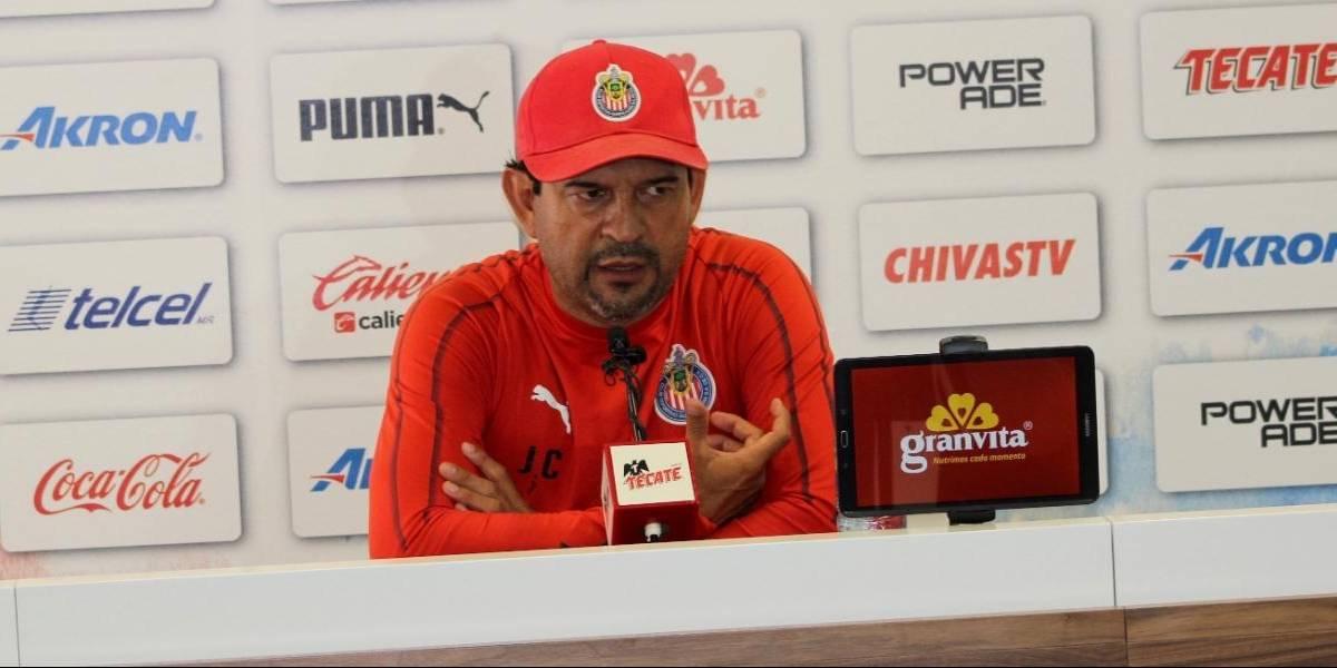 Cardozo asegura que no dejará a Chivas por Paraguay